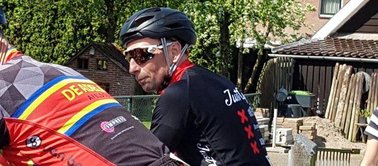 Fred van Huisstede aan de start in Hierden